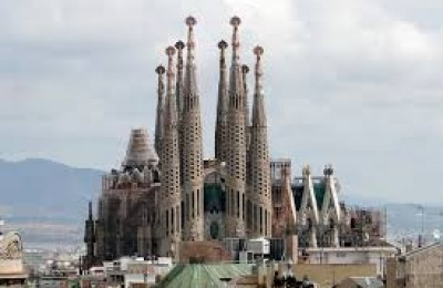 السياحة و السفر لبرشلونه - أسبانيا